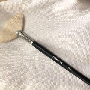 Morphe brush M310